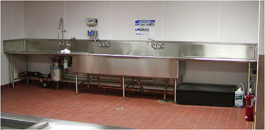Charmant A Four Compartment Sink   Stainless Steel Sinks For Commercial Food Service  Kitchens And Restaurants Made To Order Photo ©Dennis Johnson